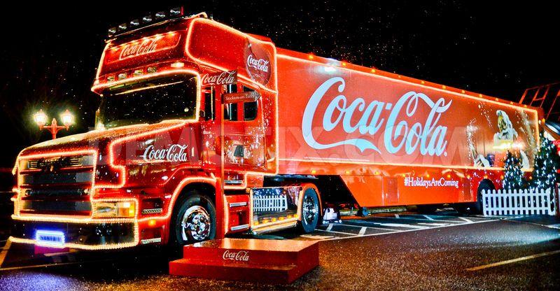 1353614456-cocacola-christmas-truck-tour-comes-to-stockton_1622328
