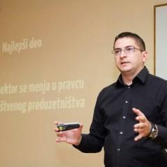 """Digitalizuj.Me XIX – """"Društveno preduzetništvo – i vuk sit i ovce na broju"""" – Nikola Jovanović"""