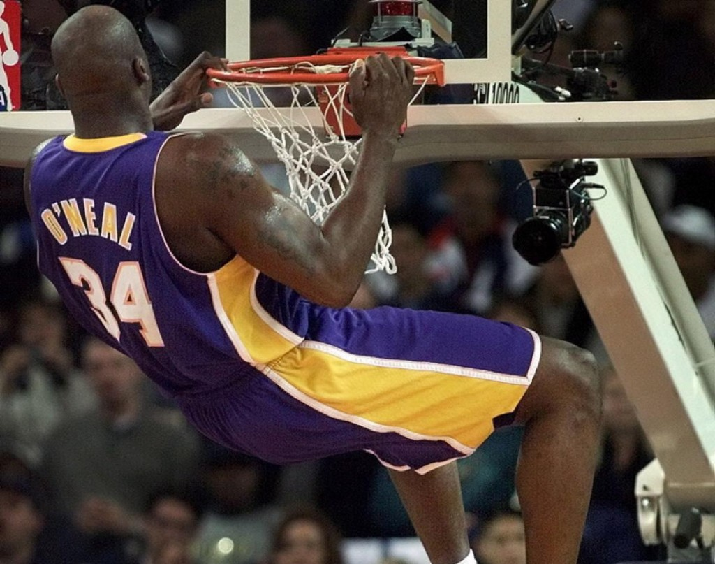 Shaquille-Oneal-Dunk-25
