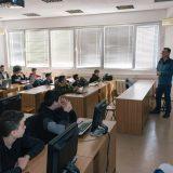 Besplatna škola programiranja za više od 100 mladih počela sa radom